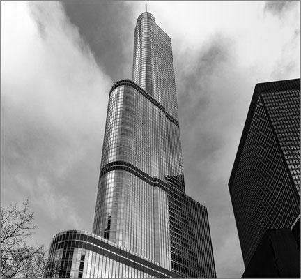 Chicago: Trump International Hotel & Tower - © Massimo Vespignani