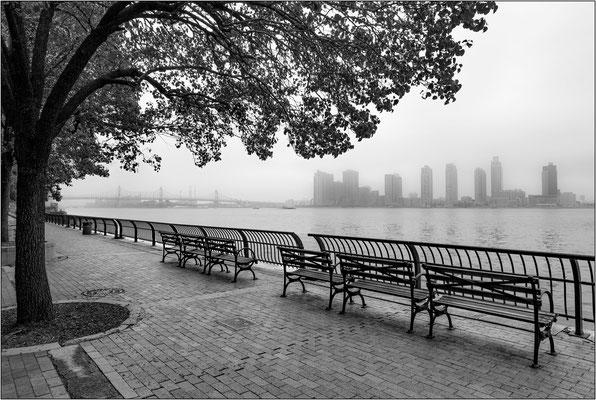 New York City: Glick Park sulla sponda dell East River - © Massimo Vespignani