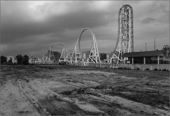 """Coney Island: strutture dello storico luna park. Il termine """"luna park"""" è nato proprio qui, fra queste strutture sorte nel 1895, ove uno dei primi gestori intitolò il parco divertimenti a sua sorella Luna - © Massimo Vespignani"""