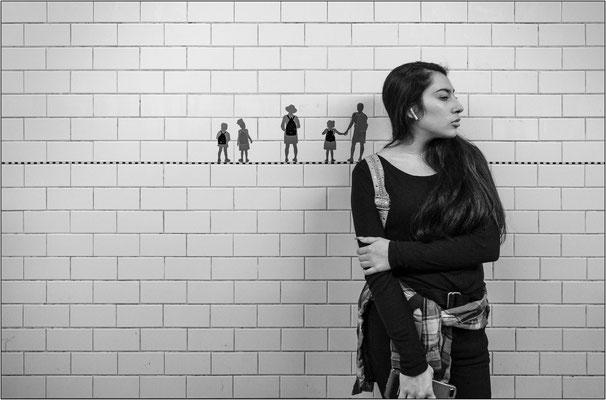 New York City: moltissime stazioni della metropolitana sono caratterizzate e riconoscibili anche grazie a particolari rivestimenti in piastrelle e decori in mosaico, sempre diversi in ogni stazione - © Massimo Vespignani