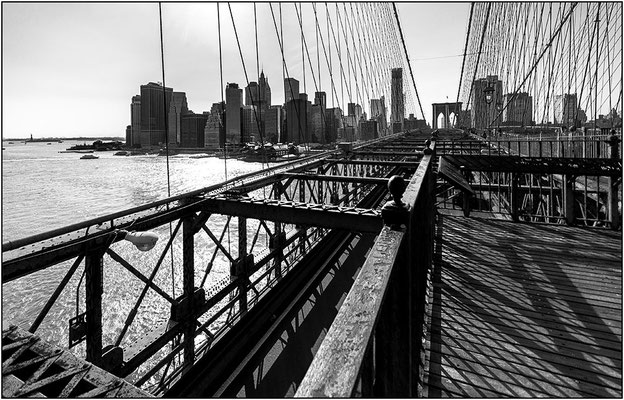 New York City: veduta di Manhattan dal Brooklyn Bridge - © Massimo Vespignani