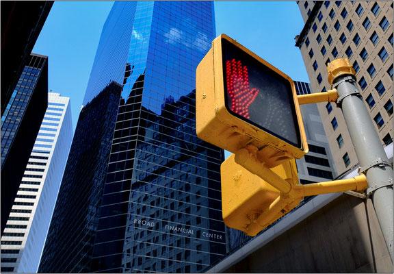 New York City: Pearl Street nel quartiere finanziario - © Massimo Vespignani