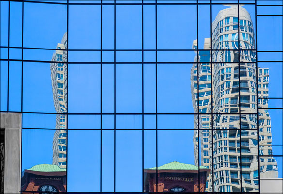 Chicago: riflessi sulle vetrate dei grattacieli - © Massimo Vespignani