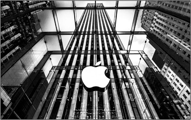 New York City: ingesso dell'Apple Store - © Massimo Vespignani