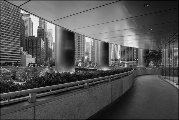Chicago: loggiato esterno del Trump International Hotel & Tower - © Massimo Vespignani