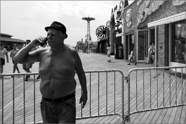 Coney Island: negozi e strutture dello storico luna park - © Massimo Vespignani