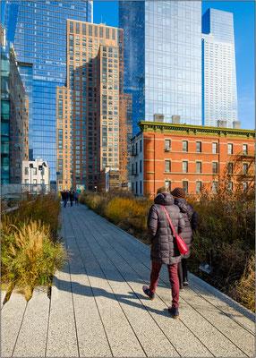 Percorso pedonale della High Line e grattacieli del nuovo quartiere Hudson Yards - © Massimo Vespignani