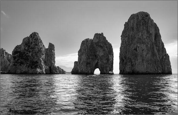 Isola di Capri, i Faraglioni - © Massimo Vespignani