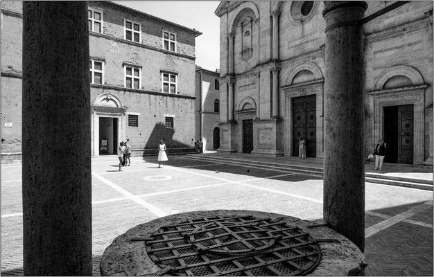 Pienza: piazza Pio II - © Massimo Vespignani