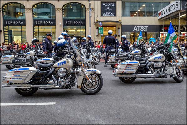 New York City: la Columbus Day Parade si svolge ogni anno il secondo lunedì di ottobre. La parata richiama ogni anno a New York almeno un milione di persone da tutto il modo - © Massimo Vespignani