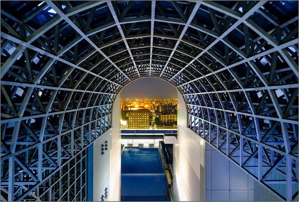 La futuristica Kyoto Station - © Massimo Vespignani