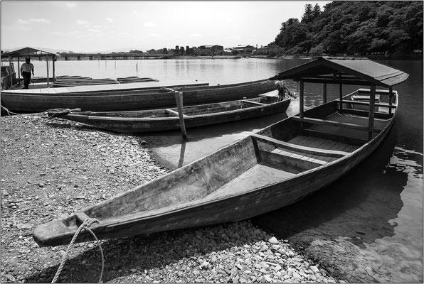 Barche sul fiume Hozu ad Arashiyama - © Massimo Vespignani