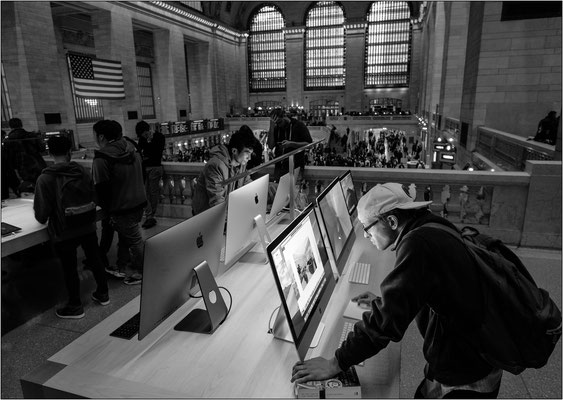 New York City: il nuovo Apple Store aperto all'interno del Grand Central Terminal - © Massimo Vespignani