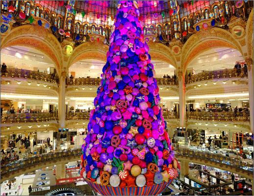 Addobbi natalizi alle Galleries Lafayette - © Massimo Vespignani