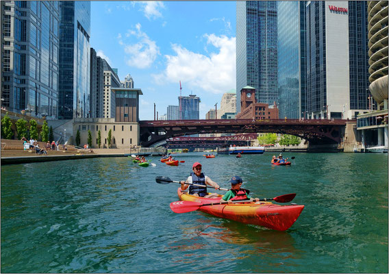 Chicago: escursione in kayak lungo il Chicago River - © Massimo Vespignani