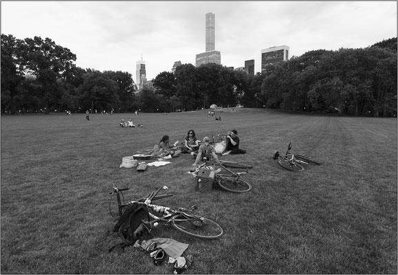 """New York City: Central Park e, sullo sfondo, il sottilissimo grattacielo """"432 Park Avenue"""" - © Massimo Vespignani"""