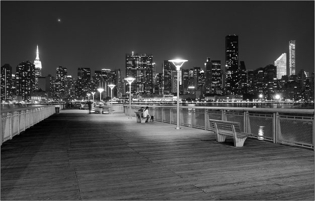 New York City: molo a Long Island City - © Massimo Vespignani