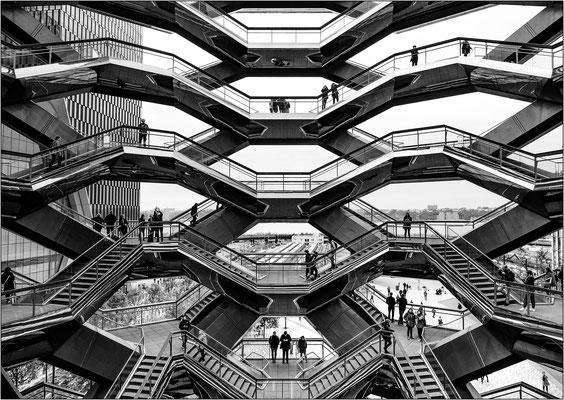 La struttura a nido d'ape del Vessel composta da 154 scale e 80 piattaforme fra loro connesse - © Massimo Vespignani