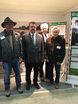 Staatssekretär Fuchtel, BMEL, zu Gesprächen am VDL – / BDZ- Infostand während der Grünen Woche  Es ging um den Herdenschutz, die nationale und internationale Schaf- und Ziegentagung sowie die wichtigen Leistungen, die durch dich haben Ziegenhaltung gegenü