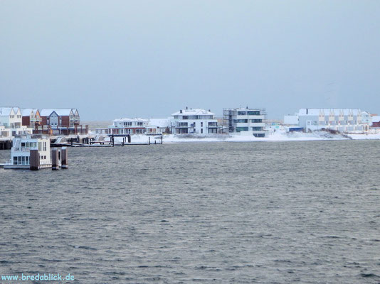 """schwimmendes Haus und Häuser """"Am Yachthafen"""""""