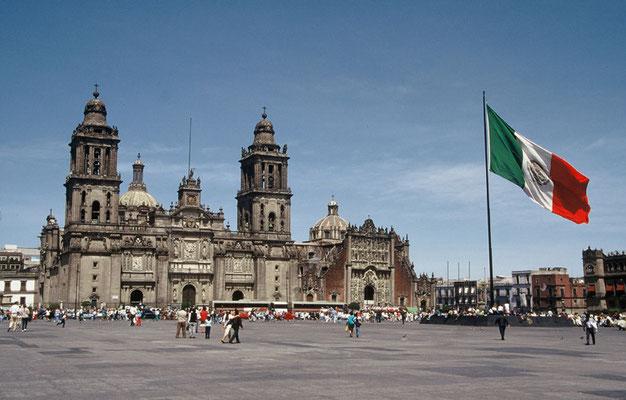 Catedral de la Ciudad de México y Zócalo