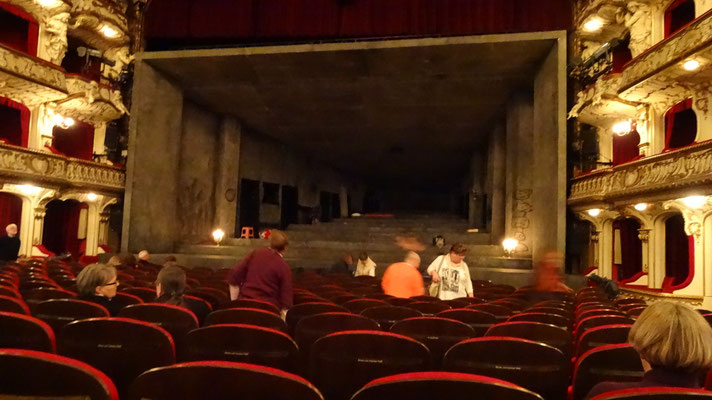 Hamburger Schauspielhaus: after 20 years again watching a play - good actors, stuffy bourgeois audience, Borkman de Ibsen