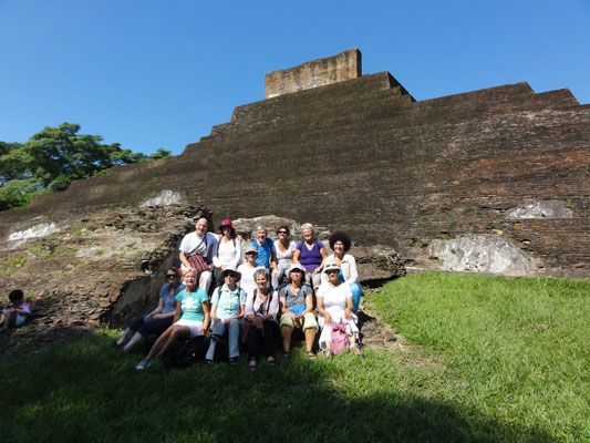 extraordinary Maya-Pyramid Comalcalco (was it a language school of the Ancient Times?)