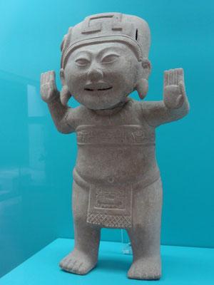 """figura olmeca con la cara del """"chino feliz"""" - ¿en estado de conciencia expandida?"""