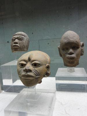 Cabezas atípicas, con deformación craneana o escarificaciones y rasgos de grupos africanos (600-1200 d.C.), Museo de Antropología Xalapa