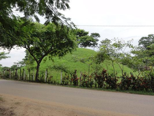 """Pirámide """"masculina"""" de la Isla de la Serpiente-Jaguar, Minatitlán"""