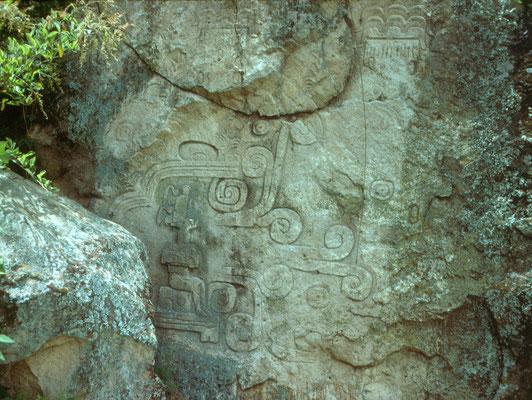 Dibujo del petroglifo 1 de Chalcatzingo, también conocido como El Rey o El Portador del Agua.