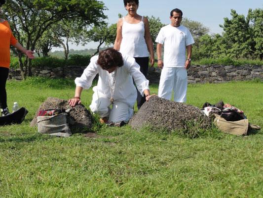 Zeremonien in Tempel- und Pyramidenanlagen