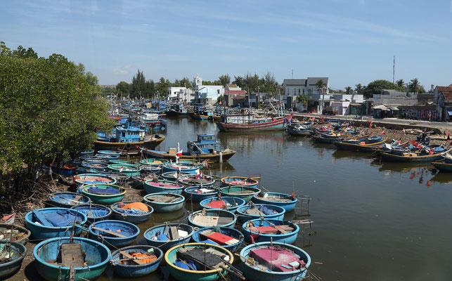 Fischerboote in Phan Thiet