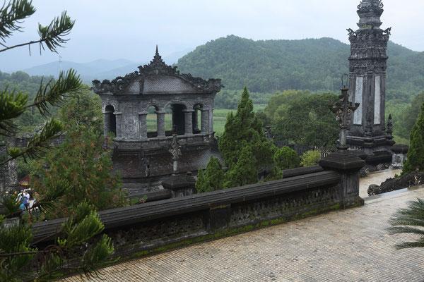 Lang Khai Dinh, Hue