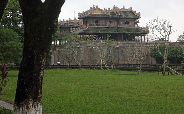 Kinh thanh Hue, Tempelanlage in Hue