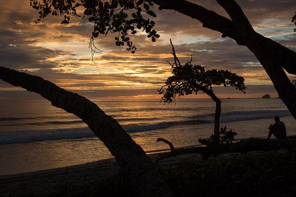 Abends am Strand von Quepos