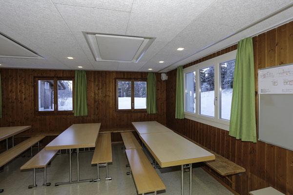 GrosserEssraum für ca.50 Personen Tische können zusammengestellt werden