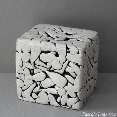 Compression cube
