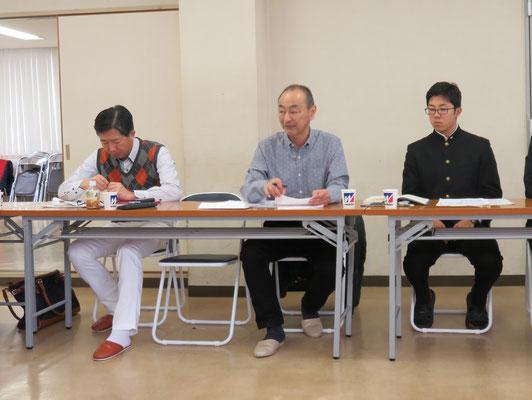 六大学活性化委員会報告(小室活性化委員会リーダー(中央))