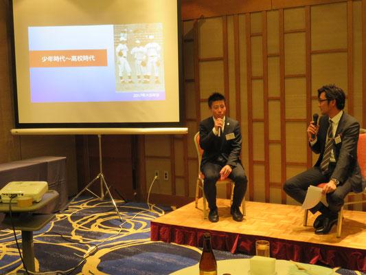 女子野球侍ジャパンのコーチに就任した猪坂彰宏さん(H17卒)と江尻慎太郎さん(H14卒)のトークショー