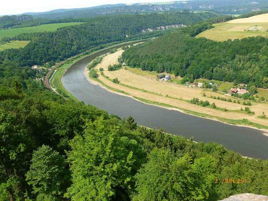 Hier hat die Elbe noch soeben die Kurve gekriegt.