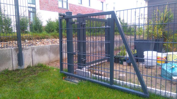 Zaunbau: massgeschneidertes Gartenschiebetor, GreenFairway e.K.