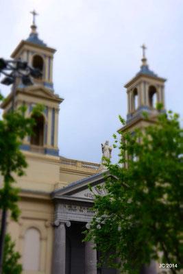 Une des nombreuses églises et temples.