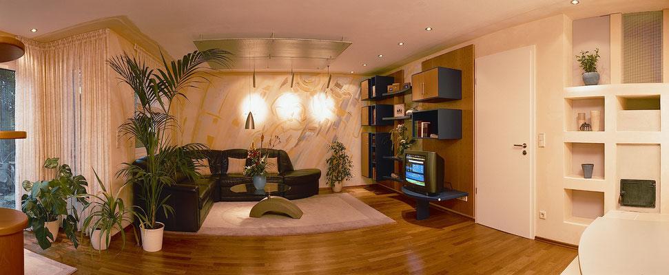 Wohnzimmer mit Wandgestaltung
