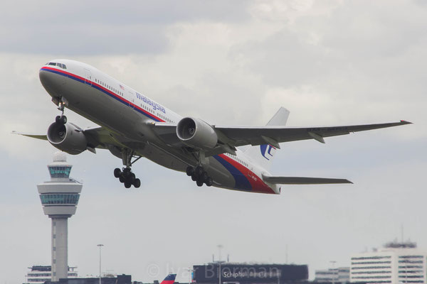 Malaysia Airlines, Boeing 777-300,