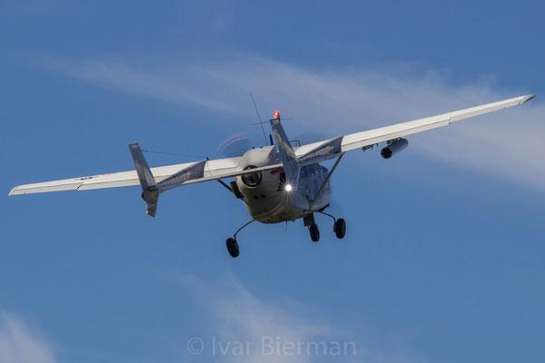 Cessna O2O Skymaster