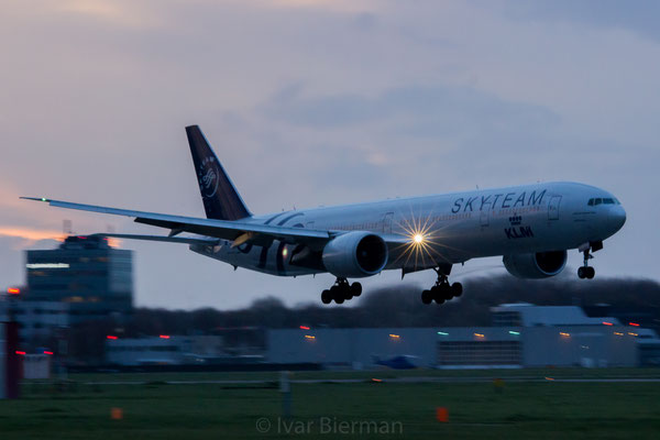 KLM, Boeing 777-300, PH-BVD, Skyteam livery