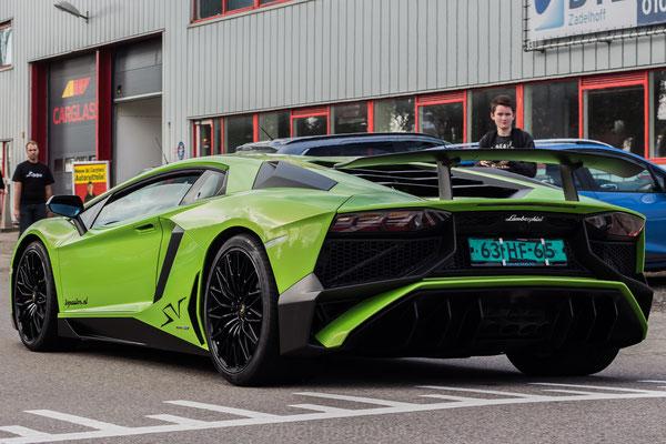 Lamborghini Aventador LP750-4 SuperVeloce groen 63-HF-65