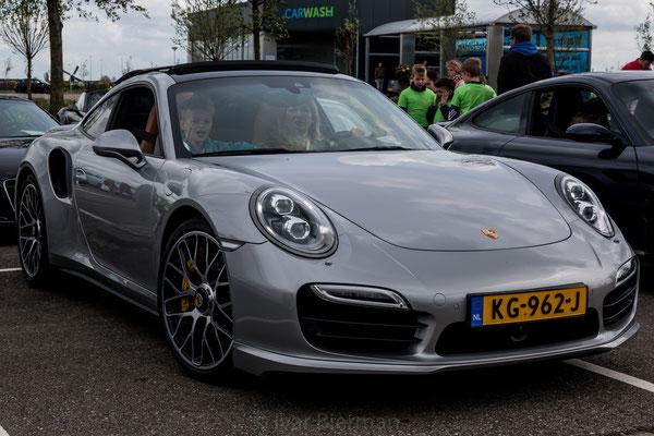 Porsche 911 Turbo, grijs, KG-962-J