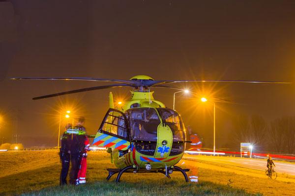 Traumahelikopter LifeLiner2 te Papendrecht